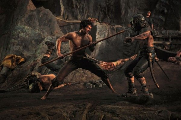immortals-movie-image-henry-cavill-spear-face-01