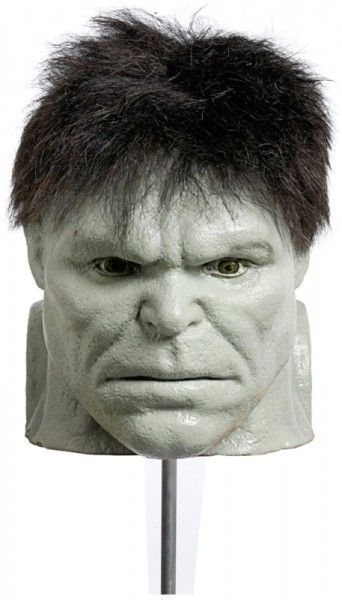 incredible-hulk-memorabilia-head-stand-in-01