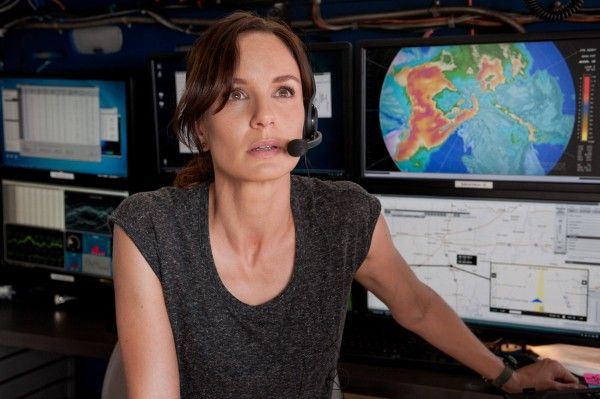 into-the-storm-sarah-wayne-callies