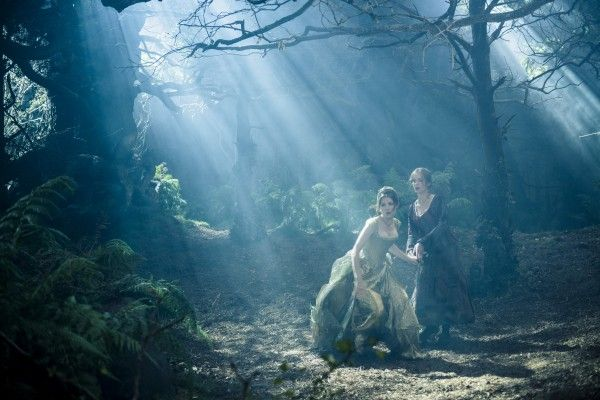 into-the-woods-anna-kendrick-emily-blunt