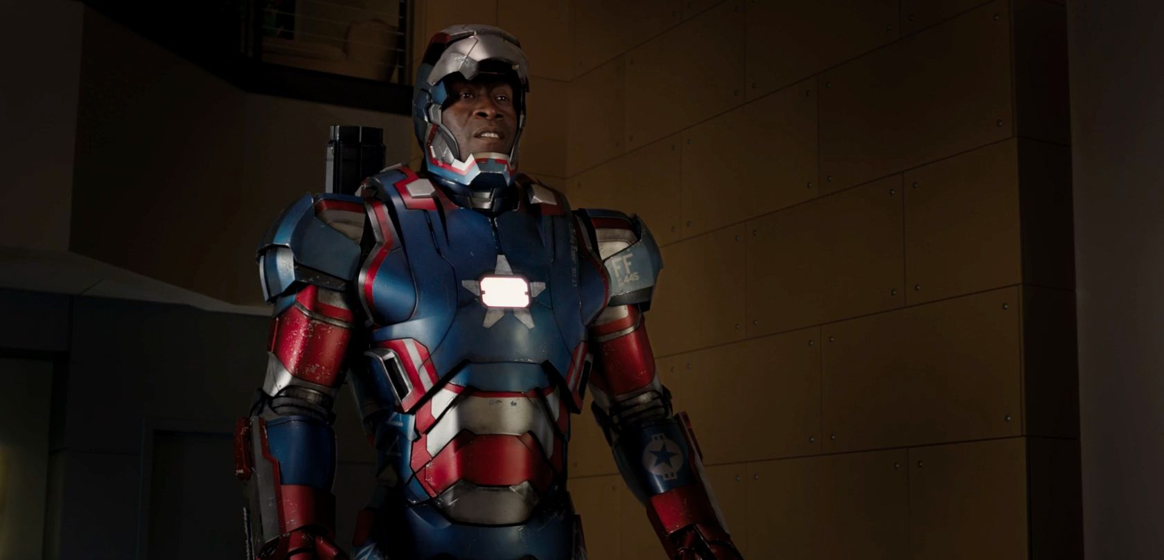 iron man 3 images featuring robert downey jr and gwyneth paltrow collider. Black Bedroom Furniture Sets. Home Design Ideas