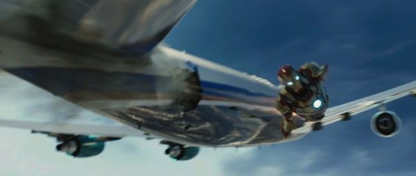 iron-man-3-airplane-rescue