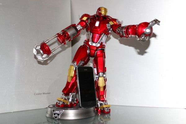 iron-man-hot-toys-red-snapper-figure-45