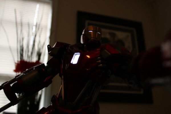 iron-man-hot-toys-red-snapper-figure-47