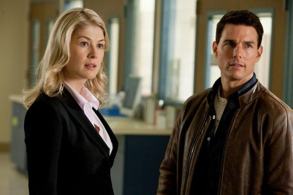 jack-reacher-rosamund-pike-tom-cruise