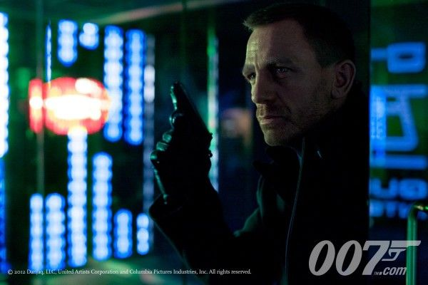 james-bond-skyfall-movie-image-daniel-craig