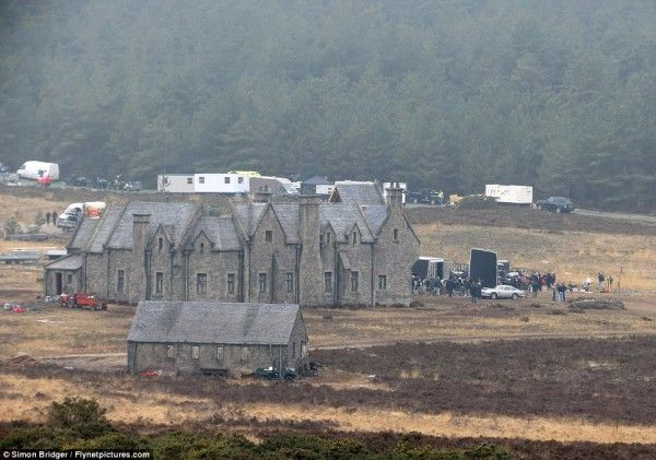 james-bond-skyfall-movie-image-mansion