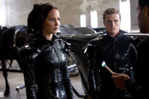 jennifer-lawrence-josh-hutcherson-hunger-games-image