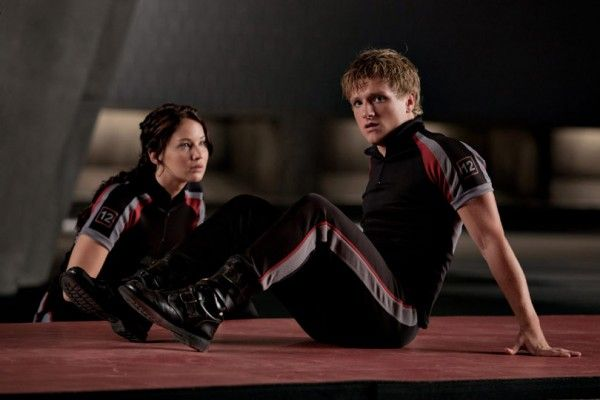 jennifer-lawrence-josh-hutcherson-the-hunger-games-image