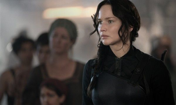 jennifer-lawrence-the-hunger-games-mockingjay-part-1