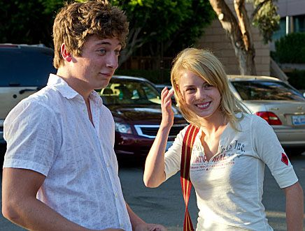 jeremy-allen-white-laura-wiggins-shameless-1