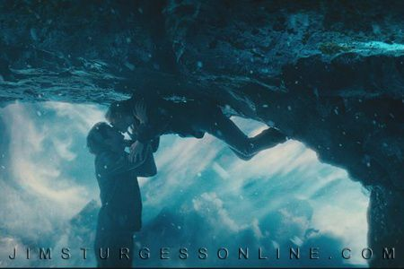 jim-sturgess-kirsten-dunst-upside-down-image-5