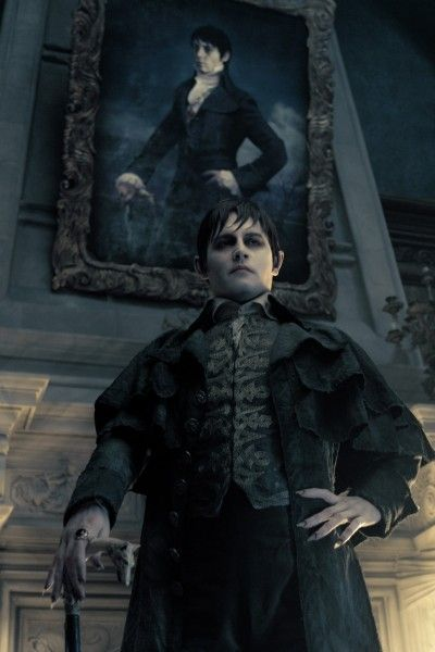 johnny-depp-dark-shadows-image