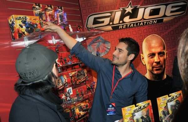 jon-chu-dj-cotrona-gi-joe-2-retaliation-toy-fair