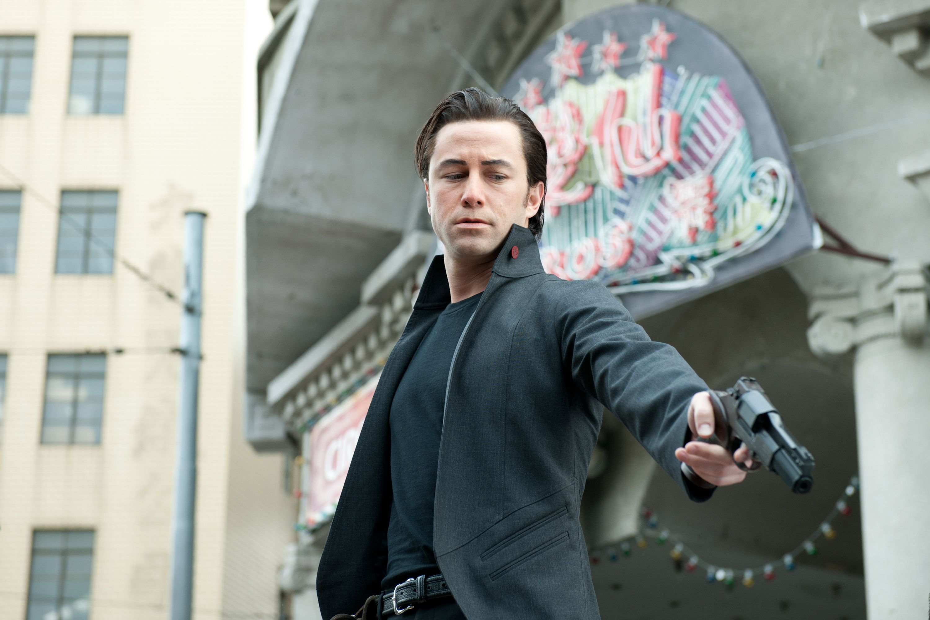 Rian Johnson Talks LOOPER, Deleted Scenes,Future Projects and More ...