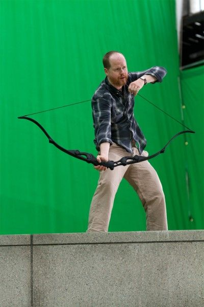 joss-whedon-avengers-set-photo-hawkeye-bow