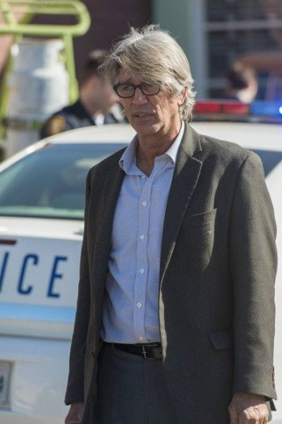 justified wrong roads eric roberts