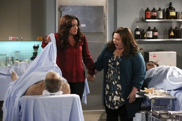 katy-mixon-melissa-mccarthy-mike-and-molly