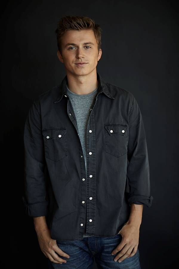 Footloose Remake Cast Announced Newcomer Kenny Wormald To