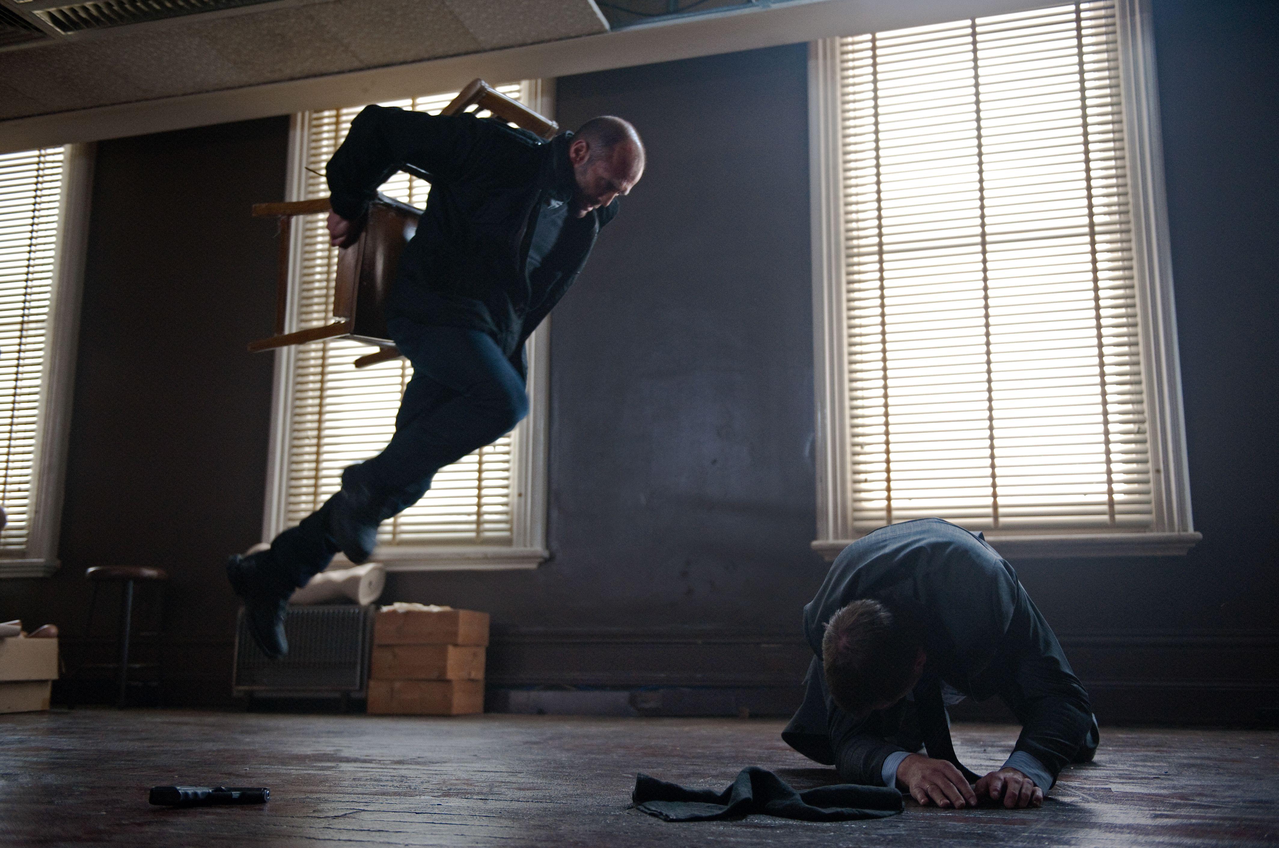 ผลการค้นหารูปภาพสำหรับ Killer Elite chair fight scene