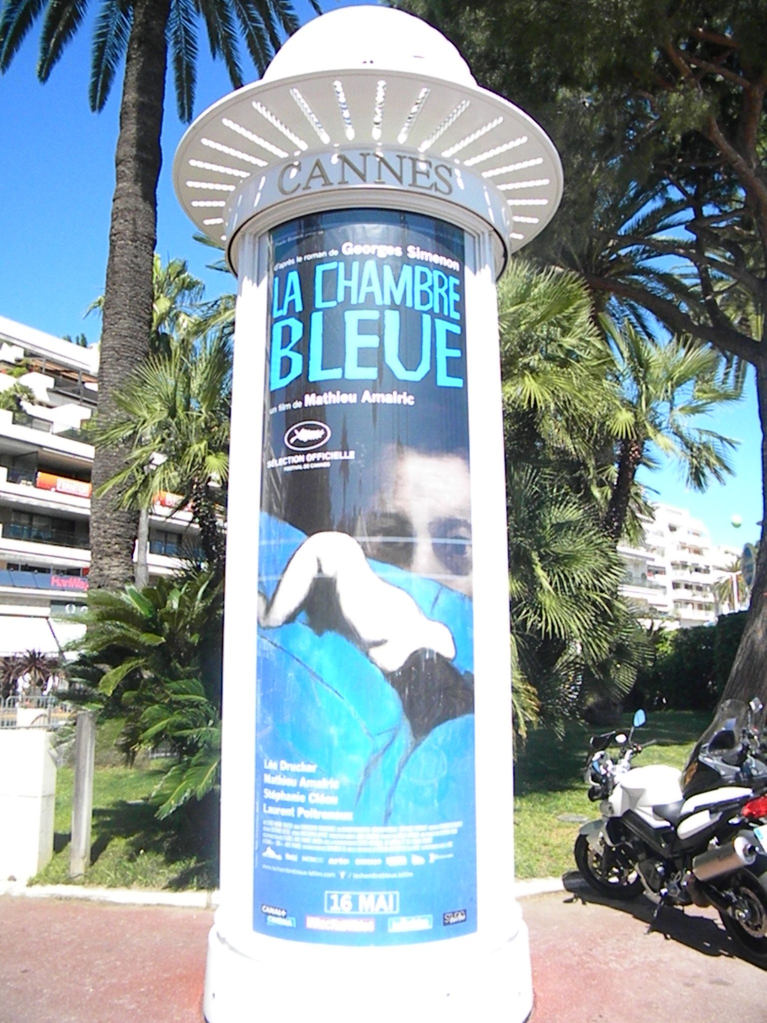 Cannes posters transformers 4 the expendables 3 poster for Chambre bleue film