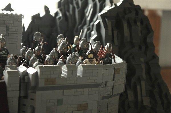 lego-helms-deep-2
