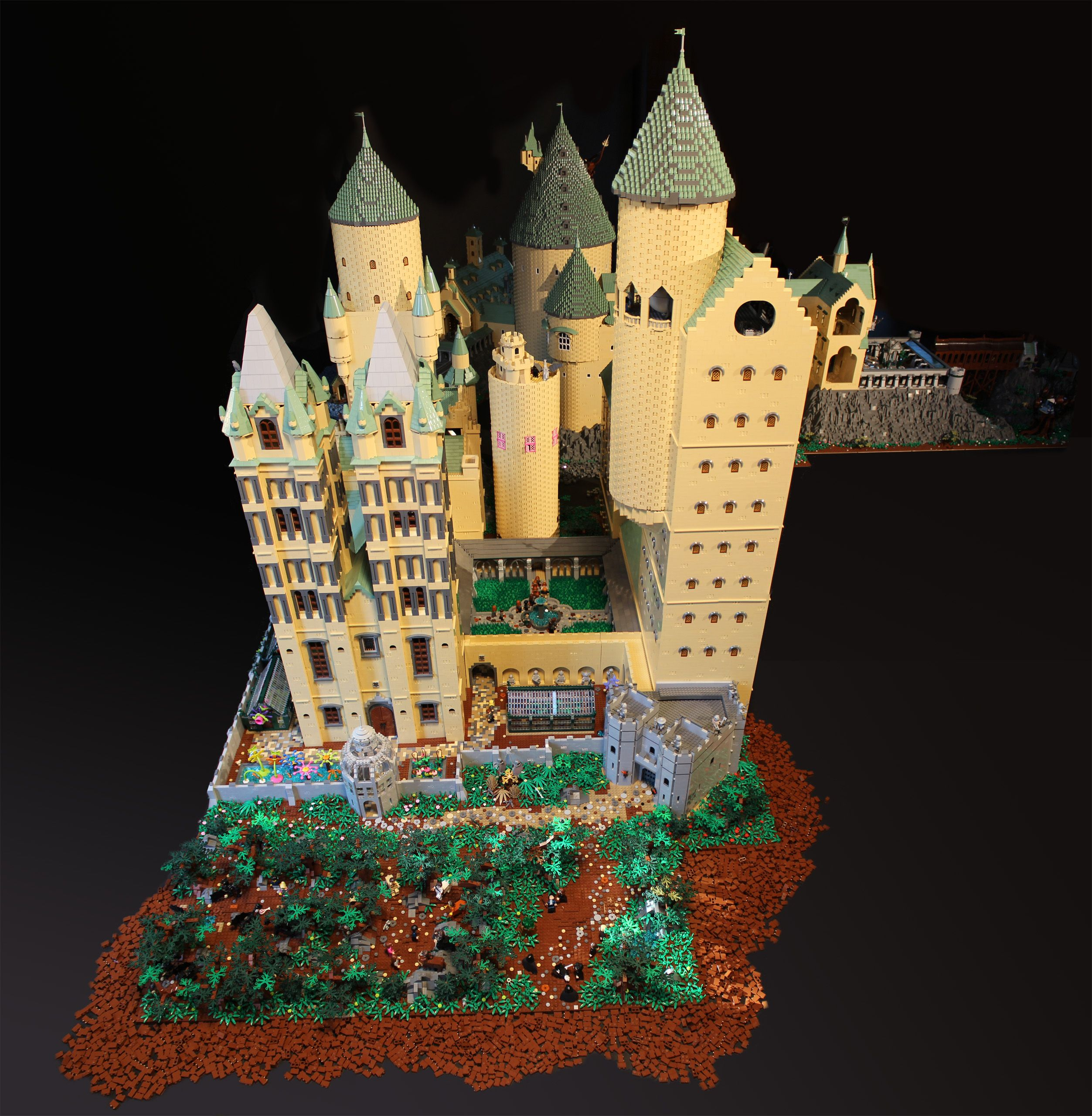 Alice finch 39 s massive and detailed lego harry potter for Final fortress blueprints