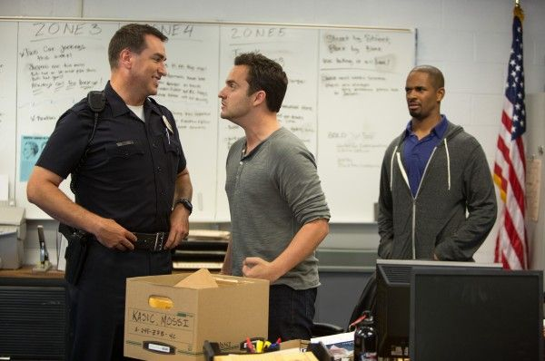 lets-be-cops-jake-johnson-damon-wayans-jr-rob-riggle