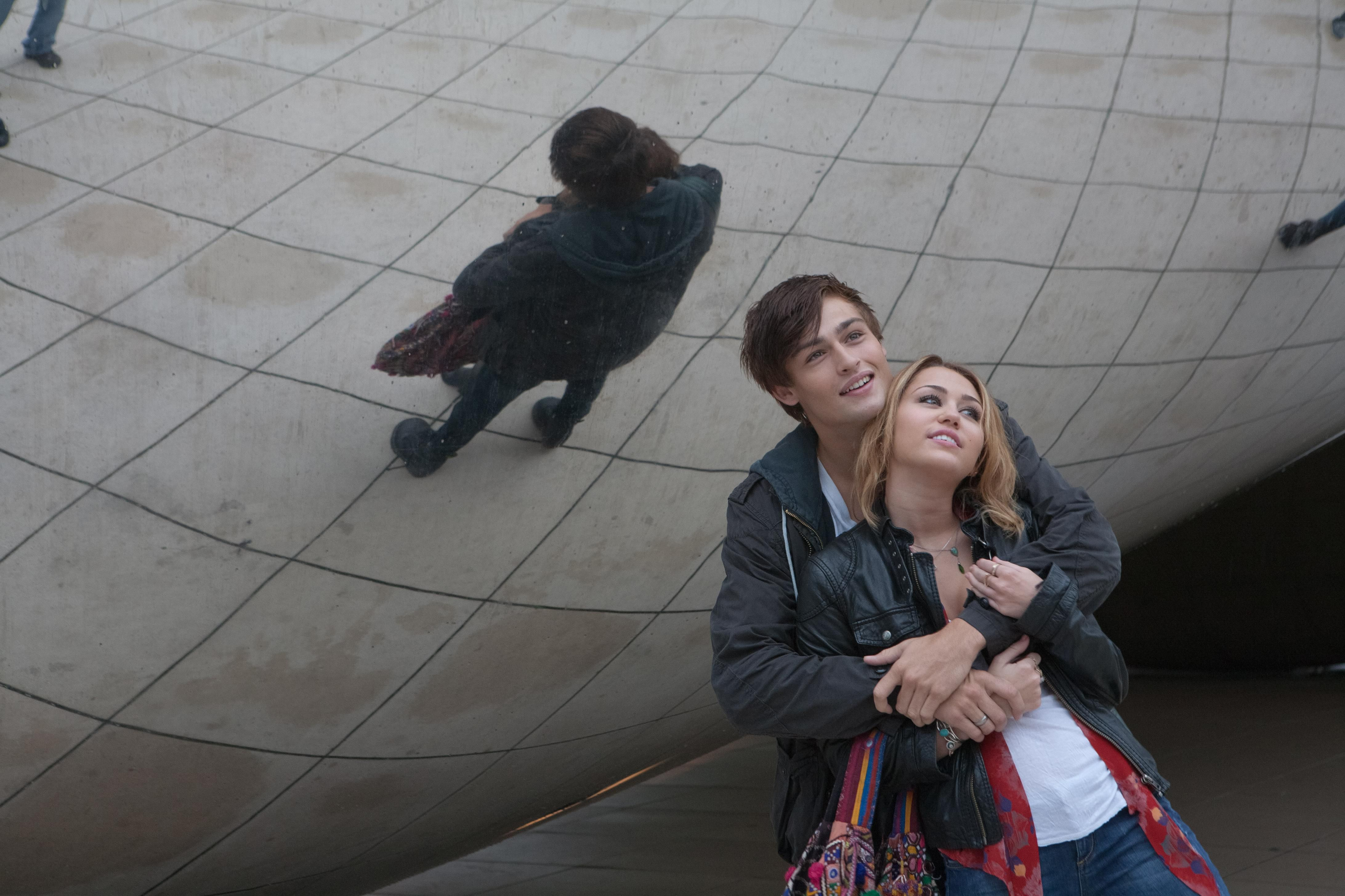 LOL Movie Images Miley...