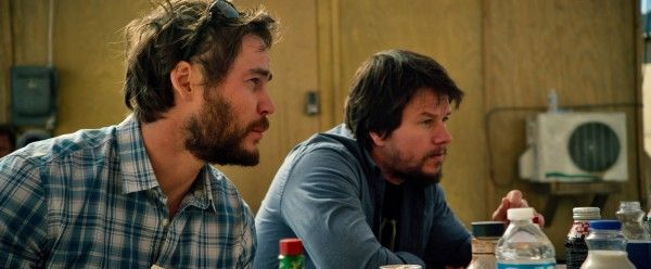 lone-survivor-taylor-kitsch-mark-wahlberg