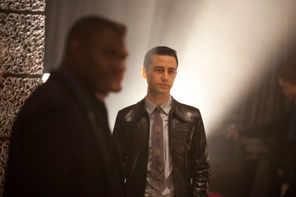 looper-movie-image-joseph-gordon-levitt-2
