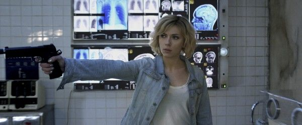 lucy-review-scarlett-johansson