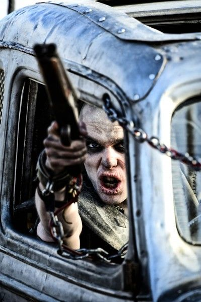 mad-max-fury-road-nicholas-hoult-1