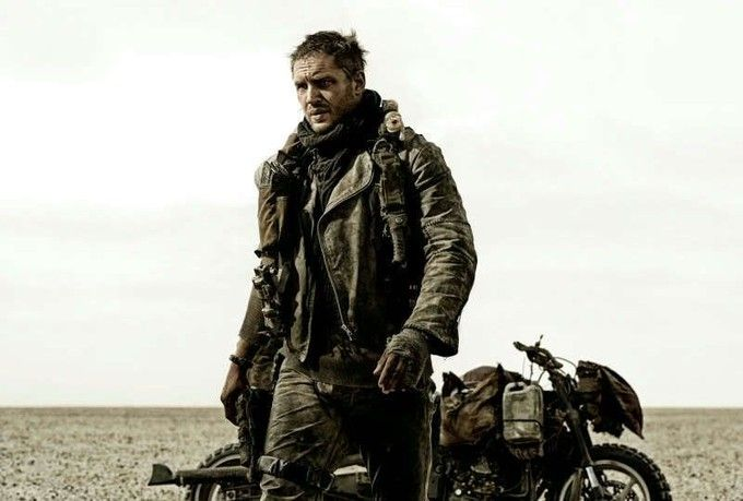 MAD MAX: FURY ROAD Reviews; MAD MAX 4 Stars Tom Hardy