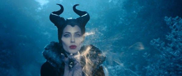 maleficent-angelina-jolie-3