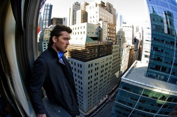 man-on-a-ledge-movie-image-sam-worthington-01