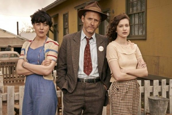 manhattan-john-benjamin-hickey-olivia-williams-alexia-fast