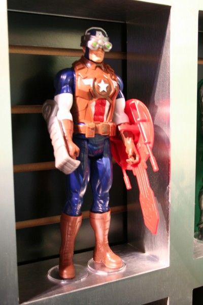 marvel-action-figures-toys-toy-fair (1)