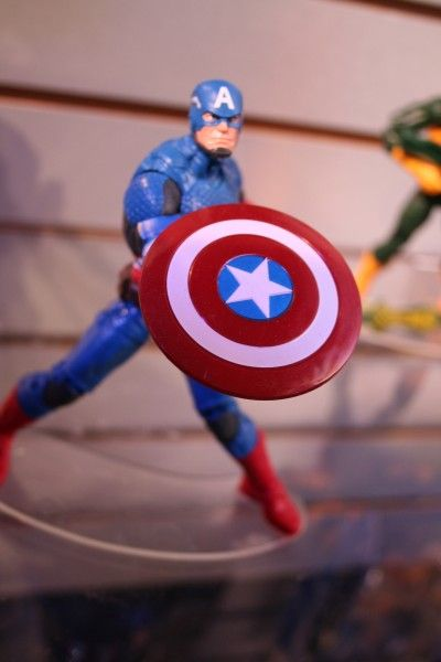 marvel-action-figures-toys-toy-fair (10)