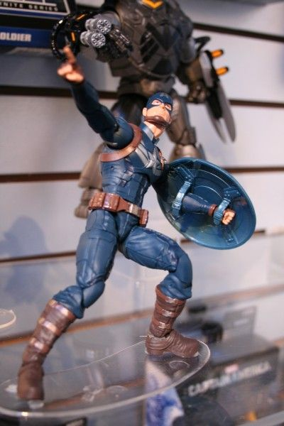 marvel-action-figures-toys-toy-fair (6)