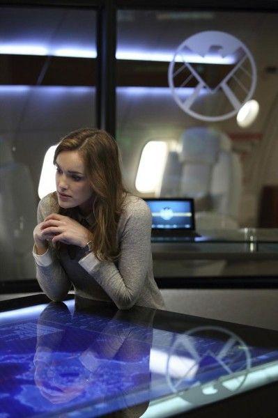 marvels-agents-of-shield-girl-in-the-flower-dress-elizabeth-henstridge