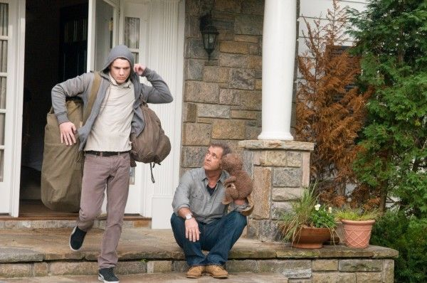 mel-gibson-anton-yelchin-the-beaver-movie-image