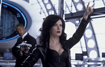 men-in-black-2-lara-flynn-boyle-image