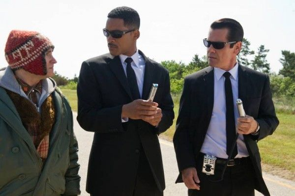 review-men-in-black-3-will-smith-josh-brolin