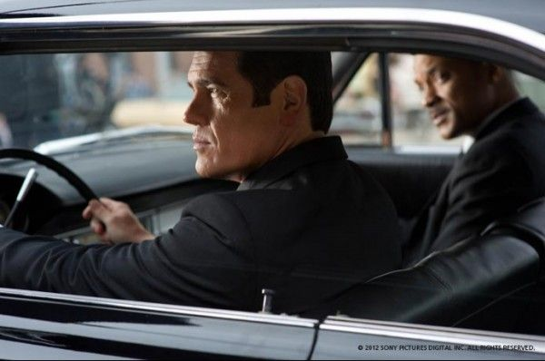 men-in-black-movie-image-josh-brolin-will-smith-1