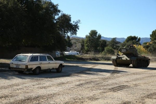 mercedes-vs-tank