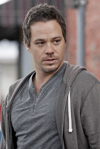 Michael Raymond-James Talks ONCE UPON A TIME Season 2 ...