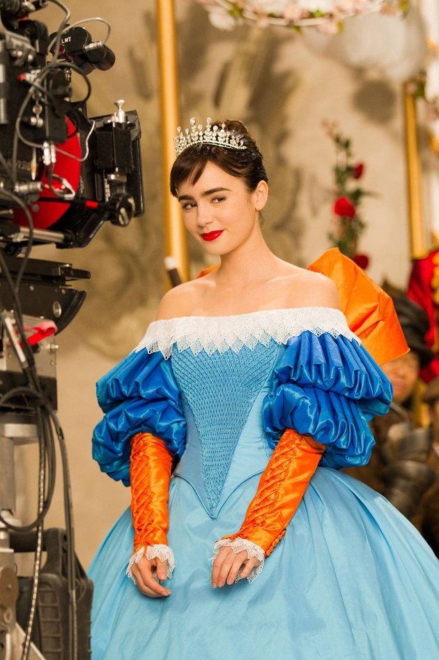 Mirror mirror clips and behind the scenes footage collider for Miroir magique blanche neige