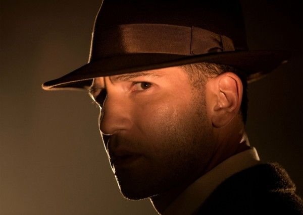 mob-city-jon-bernthal-3