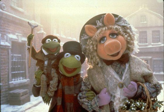 muppet christmas carol kermit miss piggy